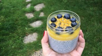 Pudding graines de chia et mangue