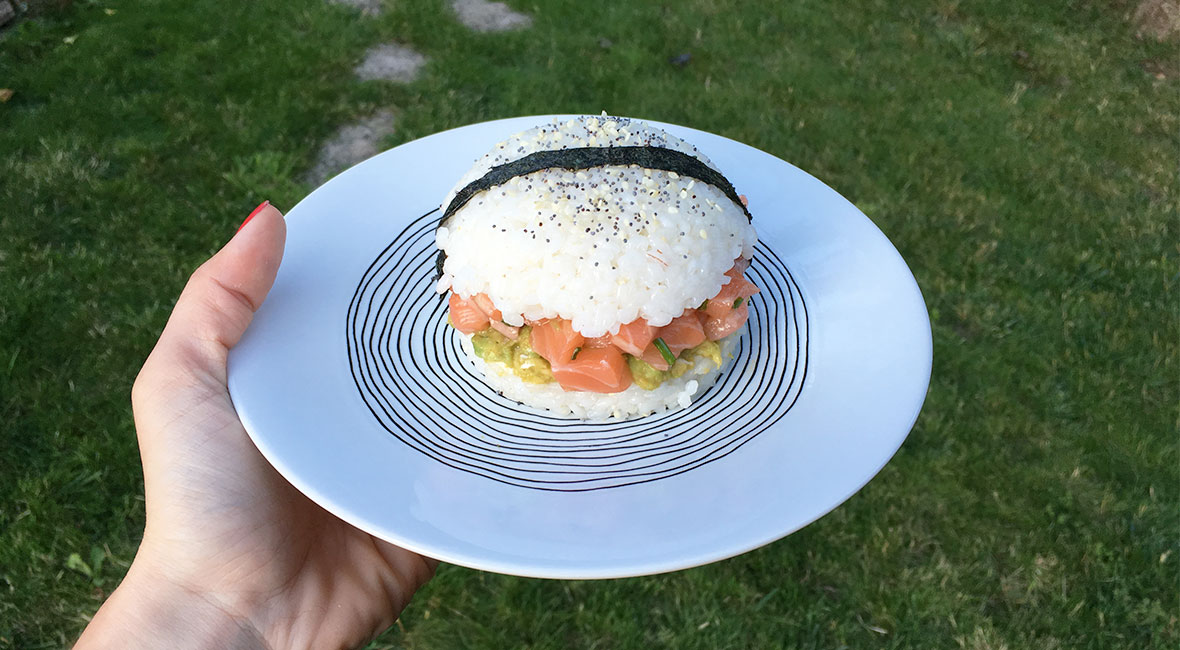 Sushi burger saumon